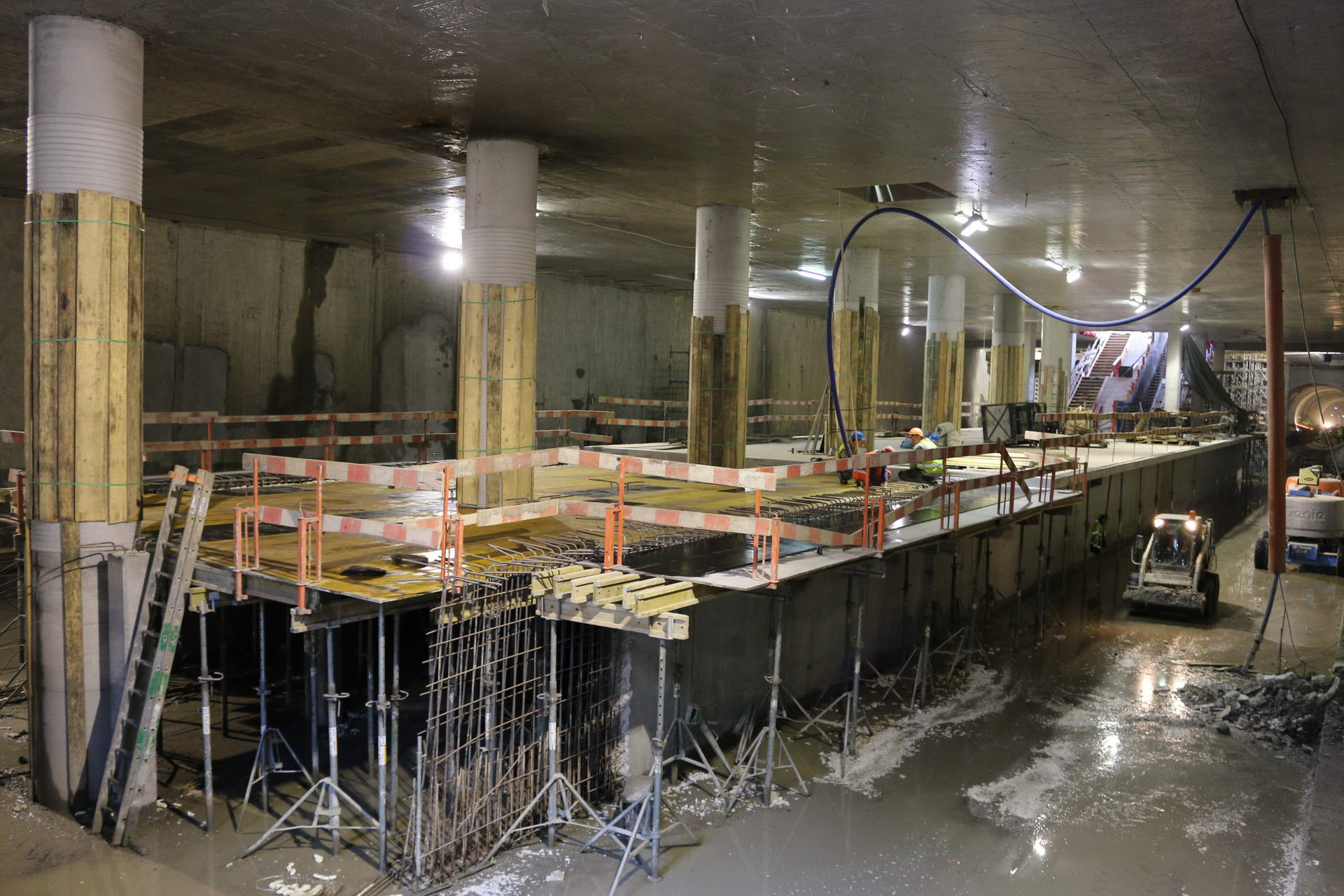 construction of subway station